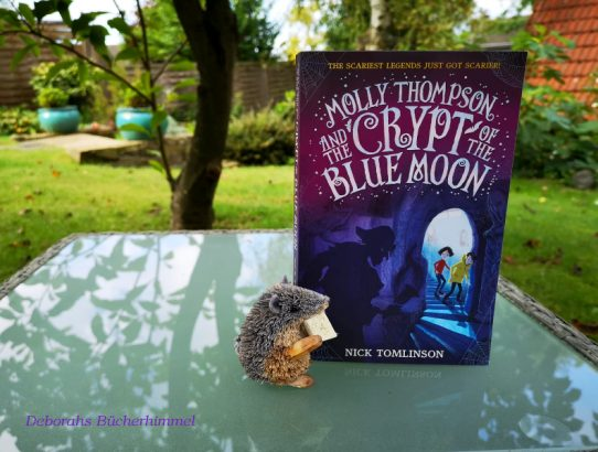 Nick Tomlinson - Molly Thompson and the Crypt of the Blue Moon (English Review)
