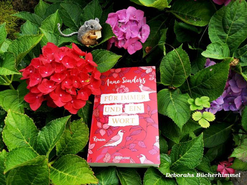 """Anne Sanders """"Für immer und ein Wort"""" mit der Blogmaus zwischen Blumen"""